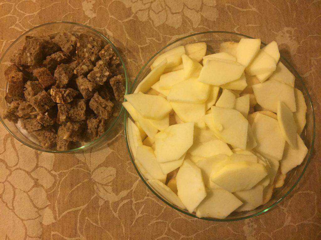Torta con pane raffermo e mele: la ricetta passo passo - Riciblog