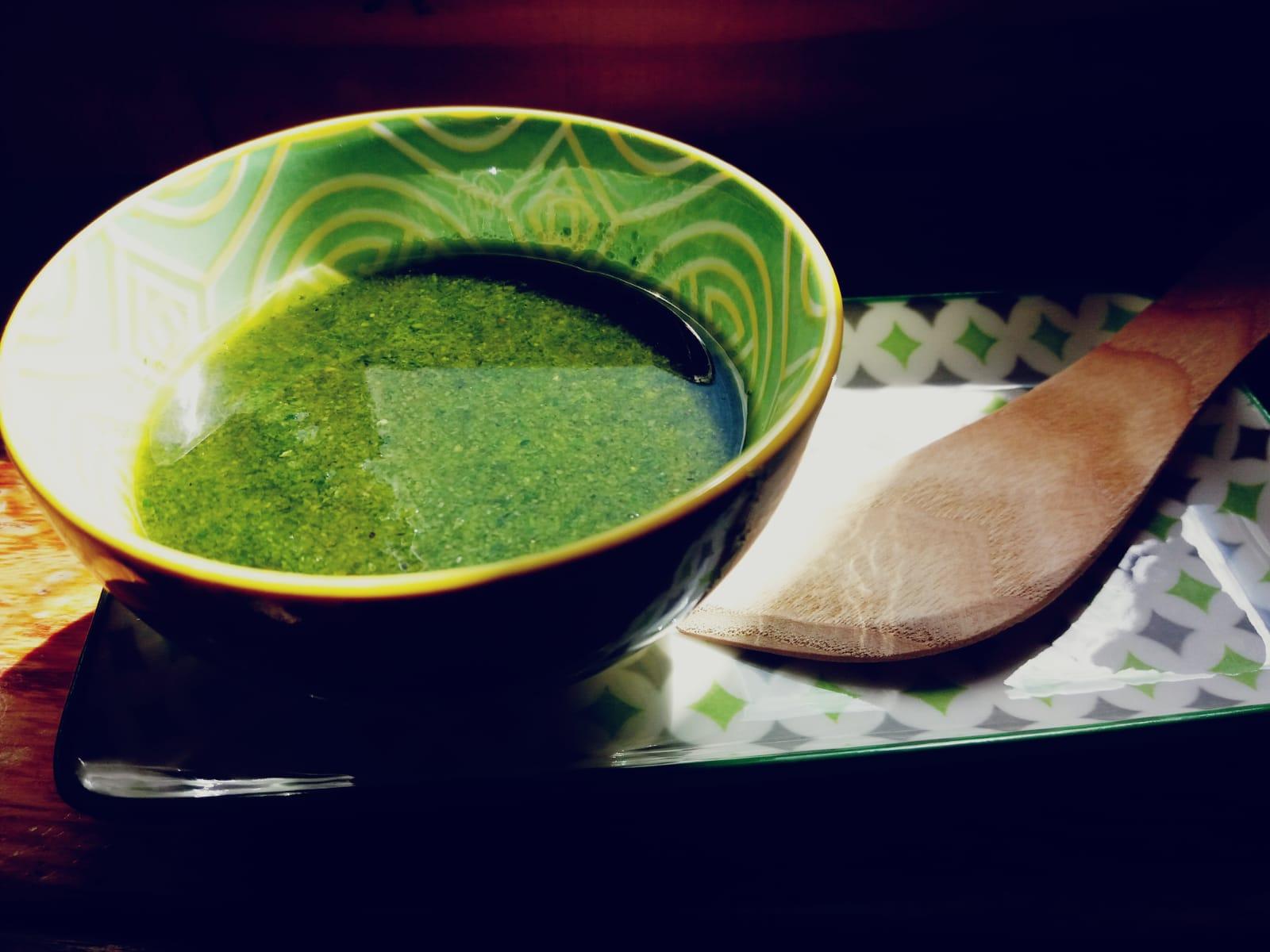 Pesto di foglie di carote: cibo green di strada - Riciblog