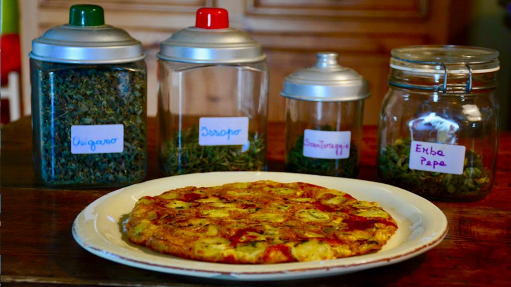 Frittata di pasta avanzata alle erbette: la ricetta passo passo - Riciblog