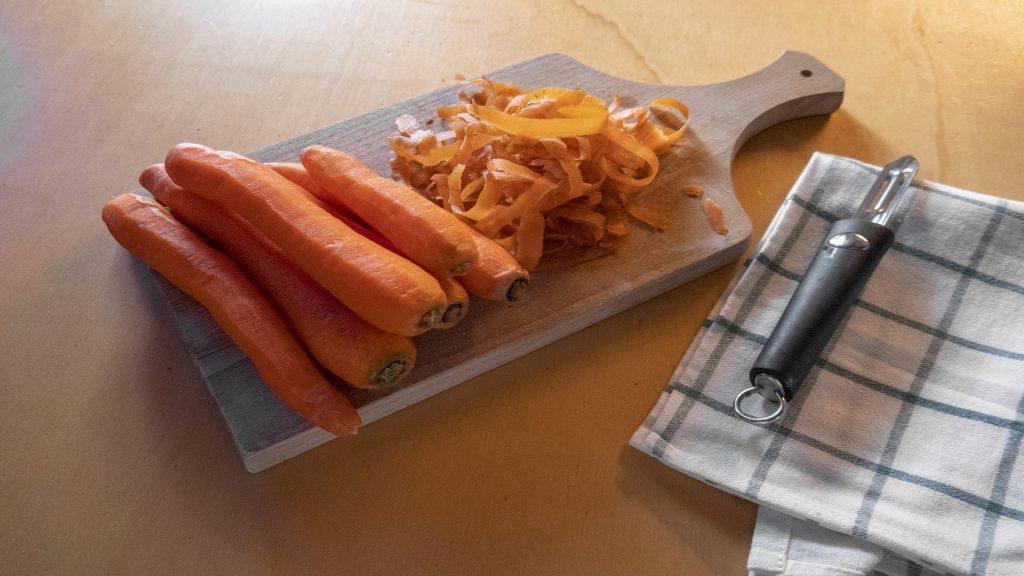 Bucce di carote: ricette e consigli per riutilizzarle - Riciblog