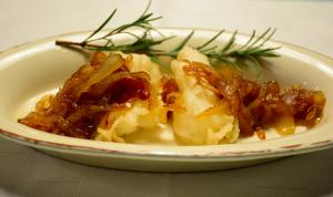 Baccalà fritto con cipolle caramellate