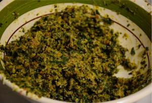 Come preparare l'impasto per polpette di pane e foglie di cavolo