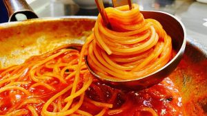 spaghetti al sugo di scarti di pesce - ingredienti e preparazione
