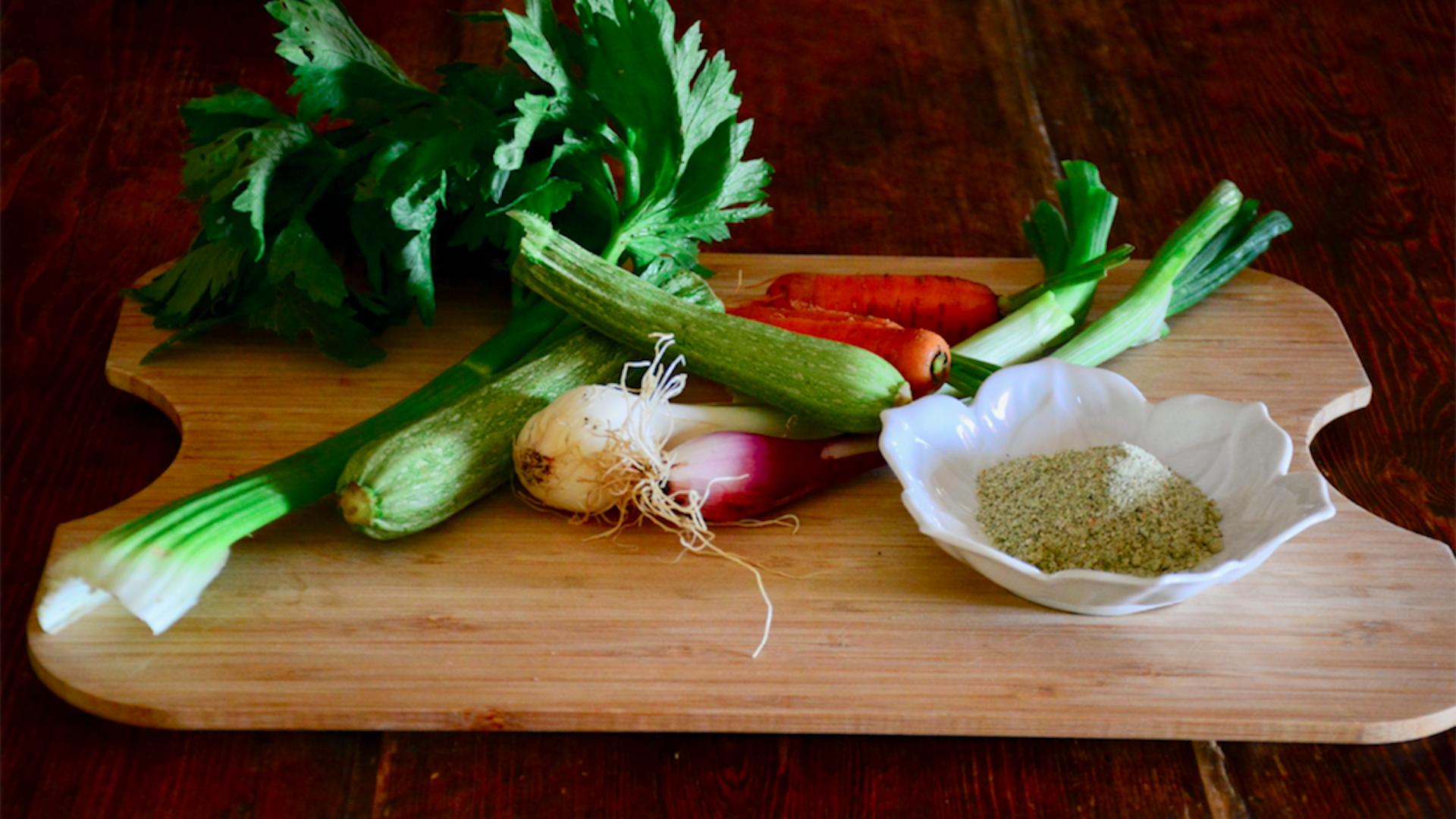 Come fare il dado vegetale con gli scarti di verdure