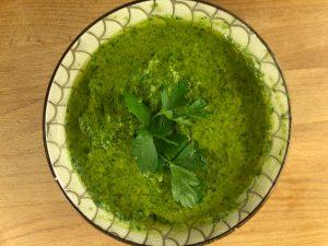 Gambi di prezzemolo: la ricetta della salsa verde - Ricette riciblog